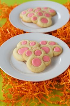 Looking for a fun fast Easter treat to make with the kids? These bunny paw thumbprint cookies are very simple and are made from a cookie mix. Kids love them