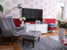 TV over credenza and rug