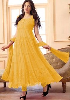Enter with your desired ethnic look at this weekend get together. Get a fresh and graceful look with this gorgeous salwar kameez. Beautiful Yellow Colored Salwar kameez is Brilliantly Crafted with Fab. Anarkali Dress, Anarkali Suits, Grad Dresses, Bridal Dresses, Pakistani Salwar Kameez, Kurti, Latest Salwar Suit Designs, Designer Suits Online, Suits Online Shopping