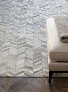 Moderner Teppich 100% Leder Design Gaucho Chevron Rug grau/beige Winkel A100345