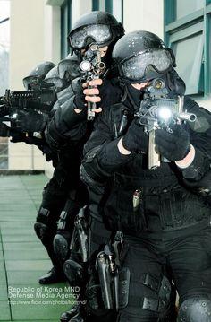 Green Beret, Airsoft Guns, Swat, Special Forces, Law Enforcement, Armies, Ranger, Soldiers, Brave