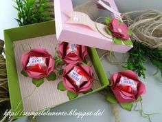 Bildergebnis für stampin up blume mon cherieverpackung Candy Crafts, 3d Paper Crafts, Diy And Crafts, Edible Flowers, Paper Flowers, Candy Packaging, Mon Cheri, Valentines Diy, Mother's Day