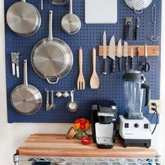 Organizing home with Pegboard is an awesome idea. There are many ways you can use Pegboard. You can use pegboard in almost every room of your home. Small Apartments, Small Spaces, Empty Spaces, Kitchen Storage Solutions, No Pantry Solutions, Home Organization, Organizing Ideas, Cool Kitchens, Small Kitchens