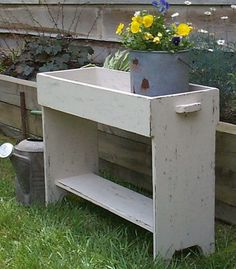 The bench has a top shelf with sides and a bottom shelf for more display room. This Primitive Bucket & Potting bench displays potted plants, crocks, cookbooks, and small prims wonderfully. Primitive Furniture, Country Furniture, Farmhouse Furniture, Unique Furniture, Furniture Plans, Wood Furniture, Primitive Decor, Furniture Cleaning, Furniture Market