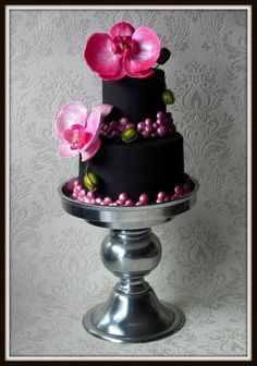 black cake with pink orchids Pretty Cakes, Beautiful Cakes, Amazing Cakes, Cupcakes, Cupcake Cakes, Orchid Cake, Cake Design Inspiration, Small Cake, Mini Cakes