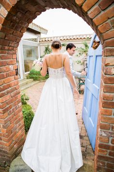 "@amsale ""Cameron"" - Silk taffeta corseted bodice with straps, sheer back with French lace detail and full skirt l Photography: Karen Wise - karenwise.com"