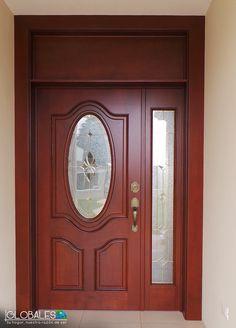 La entrada perfecta para recibir a tus invitados. #EstiloDeVidaElegante #Globales #PuertasDeMadera #Madera #Puertas #Elegancia #Casa #Hogar #Entrada #Home