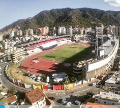 Estadio Olimpico Brigido Iriarte.  Esta ubicado en Caracas; tiene campo de futbol y pista de atletismo.  Capacidad para 8.000 personas. ~lbk~