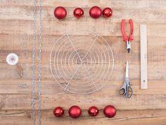 DIY tutorial: Make a Floating Christmas Tree via DaWanda.com