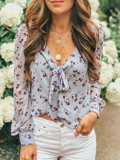 Tops For Women long blouse king queen t shirt – jiangongye Look Fashion, Fashion Outfits, Womens Fashion, Long Blouse, Spring Outfits, Long Sleeve Tops, Cute Outfits, My Style, How To Wear