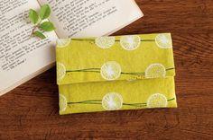 整理整頓に最適!便利なじゃばら型のカードケースの作り方|ぬくもり Pouch, Wallet, Fabric Bags, Textiles, Sewing Crafts, Diy And Crafts, Gift Wrapping, How To Make, Handmade