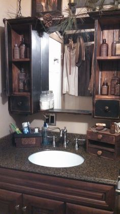 Awesome Rustic Country Bathroom Mirror Ideas 61 image is part of Awesome Country Mirror Bathroom Decor Ideas gallery, you can read and see another amazing image Awesome Country Mirror Bathroom Decor Ideas on website Country Decor, Bathroom Makeover, Primitive Decorating Country, Bathroom Storage, Bathroom Decor, Country Bathroom, Trendy Bathroom, Primitive Bathrooms, Bathroom Mirror