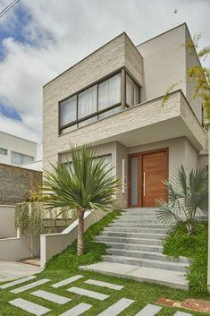 Modern Villa Design, Modern Exterior House Designs, House Paint Exterior, House Outside Design, House Front Design, Small House Design, 2 Storey House Design, Bungalow House Design, West Facing House