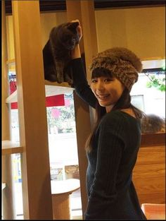 A cat lover, Aya Hirano @ Cat Cafe ☆ 彡 somewhere in Japan. Aya Hirano, Singing Career, Voice Acting, Cat Cafe, Pop Singers, Tv Commercials, Love Heart, Cat Lovers, Winter Hats