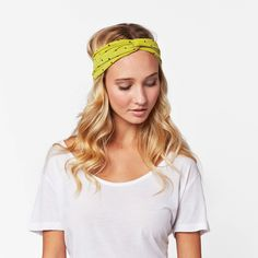'the Willa' Twisted Headband is the perfect addition to your ethical fashion wardrobe. Throw this twisted headband on to look polished and cute in one move