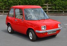 1973/77 Enfield (UK) Electric 2-seat Micro Car with an 8Bhp 6Kw Motor driven by Lead-Acid Batteries it had a range of 40 Miles with a top speed of 48Mph about 300 units were built.