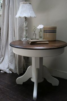 Two-toned Pedestal Table.this would be cute to do with the coffee table and end tables in the living ro Two-toned Pedestal Table.this would be cute to do with the coffee table and end tables in the living room. Refurbished Furniture, Paint Furniture, Repurposed Furniture, Furniture Makeover, Living Room Furniture, Round End Tables, Side Tables, Pedestal Side Table, End Table Makeover