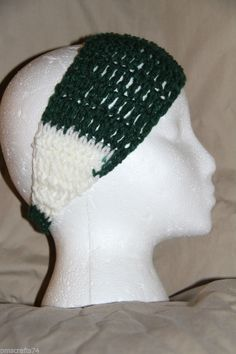 Crochet Unisex Teen/Adult headband earwarmer fits most Team Colors GREEN  WHITE #homemade #earwamerheadband #teamsports #pmscrafts74 #smokefreecrochet