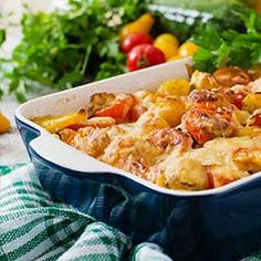 This easy chicken fajita pasta bake is made with black beans, corn, and ziti pasta smothered in a tasty sauce made of salsa and cream cheese. Diner Recipes, Steak Recipes, Fish Recipes, Cooking Recipes, Healthy Recipes, Shrimp Recipes, Trinidad Stew Chicken Recipe, Lace Cookies Recipe, Candied Sweet Potatoes
