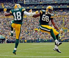 Green Bay Packers Team Photos - ESPN Cobb & Finley doin a little celebration dance. Green Bay Packers Players, Go Packers, Packers Football, Best Football Team, Football Season, Greenbay Packers, Football Things, Football 2013, Packers Baby