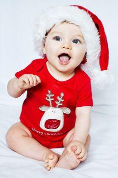 santa baby Christmas Pictures, Xmas Photos, Christmas Photography, Cute Kids, Cute Babies, Baby Kids, Babies First Christmas, Christmas Baby, White Christmas