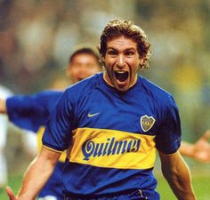 Greatest South American Footballers always produced some phenomenal talents in the world of football. Football breathes and lives. Martin Palermo, Lionel Messi, Soccer, Football, Nostalgia, American, Mens Tops, Mayo, Boxing