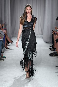 Fashion details | Comment: Morning Glories & fringe. Marchesa 2014.