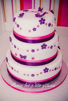 Cute Girl's Birthday Cake - like the idea of double or two tone ribbon