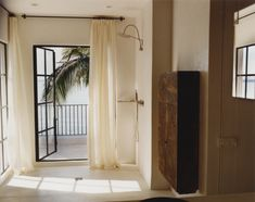 CK's Escape. Inside Calvin Klein's home: laid-back private hideaway in Miami | Top Celebrity Homes