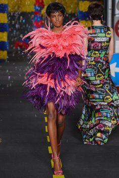 Moschino Ready To Wear Spring 2016 | WWD