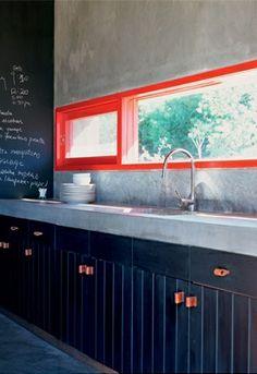 neon & black kitchen / photos by tami christiansen for casa vogue brasil (orange window frames) Küchen Design, Home Design, Layout Design, Design Ideas, Graphic Design, Black Kitchens, Home Kitchens, Painted Window Frames, Kitchen Photos