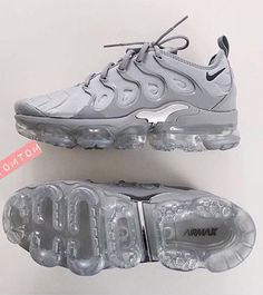 6178dcd8f5367 Follow  SlayinQueens for more poppin pins ❤ ⚡ ✨ Shoes Trainers Nike