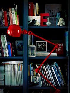 Lámpara Jieldé de pie roja  http://www.decoratualma.com/es/iluminacion/1498-lampara-jielde-de-pie-roja.html