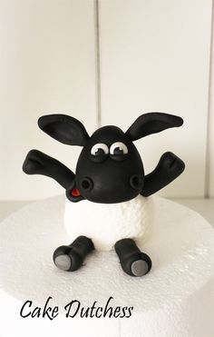 Timmy Time (with video tutorial!) by Naera Cartoon Birthday Cake, 2nd Birthday, Sheep Fondant, Shaun The Sheep Cake, Cake Dutchess, Timmy Time, Biscuit, Baby Shower Cake Pops, Farm Cake