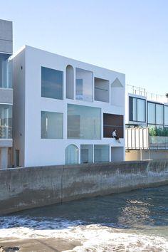 Contemporary-Holiday-Rental-Home-Japan-03.jpg (910×1365)