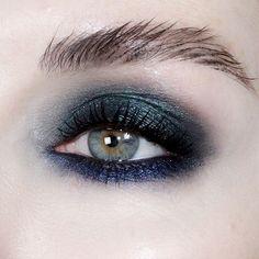 Eye Makeup Tips – How To Apply Eyeliner – Makeup Design Ideas Makeup Goals, Makeup Inspo, Makeup Art, Makeup Inspiration, Hair Makeup, Makeup Ideas, Makeup Salon, Makeup Studio, Prom Makeup