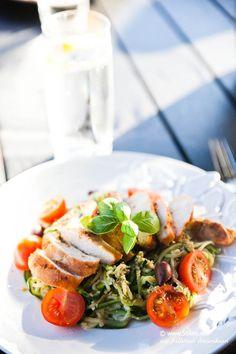 Zucchini pasta med valnøddepesto