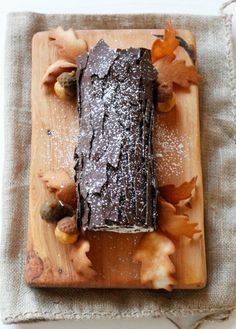 Sweet Tree-eats: 10 Yule Log Recipes to Make This Christmas You need these for your Christmas feast. Sweet Tree-eats: 10 Yule Log Recipes to Make This Christmas You need these for your Christmas feast. Chocolate Yule Log Recipe, Chocolate Roll Cake, Holiday Cakes, Christmas Desserts, Christmas Baking, Recipes Using Cake Mix, Cake Roll Recipes, Easy Yule Log Recipe, Fancy Cake