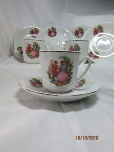 Vintage Zhongguo Zhi Zao Chinese Porcelain Set of 6 SAUCER AND 4 Demitasse CUP