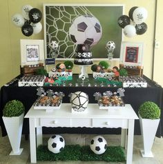 Themes for birthday parties according to age for child, ideas for 1 year old children's parties, birthday decoration for 2 year old child, such as Soccer Birthday Parties, Soccer Party, Sports Party, Grad Parties, Birthday Party Themes, Bird Party, Minecraft Party, Childrens Party, Birthday Decorations