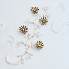 Bridal Hairvine with Vintage Matt Gold Daisies and by NancyandFlo
