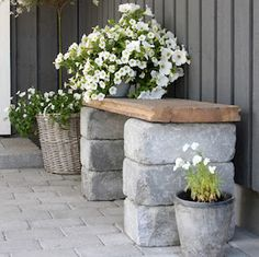 diy outdoor projects Brighten up your boring patio with these DIY patio ideas. From patio furniture to patio flooring ideas, there's a project for every inch of your patio. Country Patio, Rustic Patio, Diy Patio, Backyard Patio, Backyard Landscaping, Landscaping Ideas, Backyard Ideas, Pergola Patio, Patio Vintage