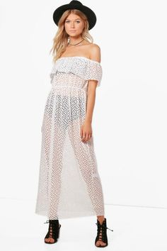 Serving up the same statement styles in scaled down sizes, boohoo Petite is your port of call for perfectly proportioned pieces designed to fit women of and under. Boohoo Petite, Bardot, Online Shopping Clothes, Latest Fashion Trends, Dresses For Sale, Strapless Dress, Model, Outfits, Mesh