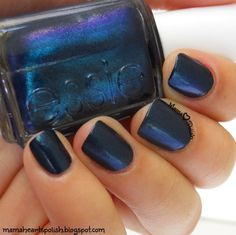 Essie Bell-Bottom Blues swatch in natural light, from the new Fall 2015 collection.