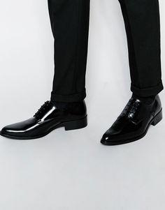 Derby-Schuhe von ASOS weiches Obermaterial aus Leder Schnürung spitze Zehenpartie flache Sohle mit geeignetem Pflegemittel behandeln Obermaterial aus 100% echtem Leder