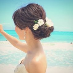 いいね!280件、コメント1件 ― Rie Kobayashi hair&makeさん(@rie0393)のInstagramアカウント: 「ツイストシニヨンスタイル。 風の強い東海岸もアップスタイルでストレスなしです♩ Hair and Make by Rie #hawaiihairmake #hawaiiwedding…」