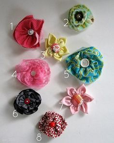 Fabric Flower tutorials http://amylovesowlz.blogspot.com