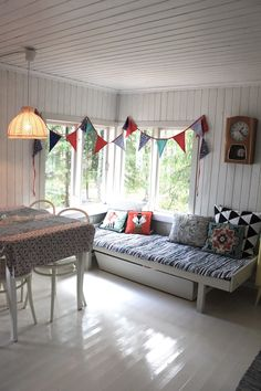 Summer Cabins, Winter House, Clever Design, Valance Curtains, Sweet Home, Photo Wall, Home And Garden, Cottage, Bedroom