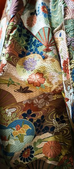 "Costume details of Japanese traditional art ""Noh""  Kimono, such as luxurious enbroidered. - 能衣装ディティール。豪華な刺繍が施された着物"