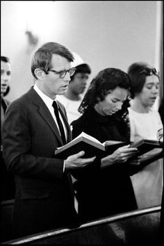 Peter Edelman, his fiancé Marian Wright, RFK & Ethel attend Palm Sunday Service with Pastor Walter Fauntroy at New Bethel Baptist Church in the center of a Washington riot zone. Los Kennedy, Ethel Kennedy, Robert Kennedy, Jackie Kennedy, Familia Kennedy, John Junior, Greatest Presidents, Magnum Photos, History Books